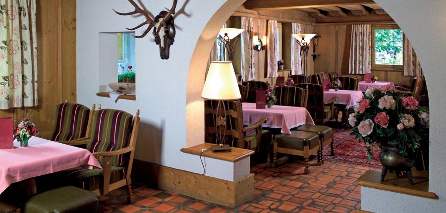 Austria_Westendorf_Hotel-Jakobwirt_dining_room.jpg